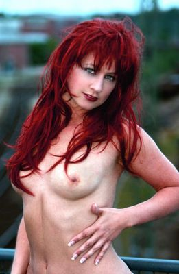red hair and green eyes (reload)