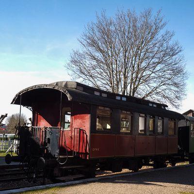 """Red Locomotive"""