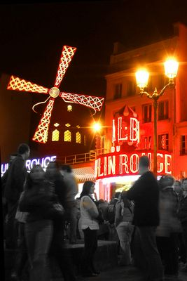 Red night in Paris