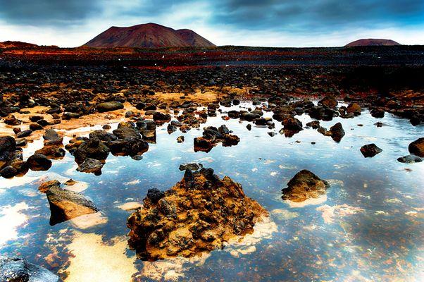 ...red rocks...