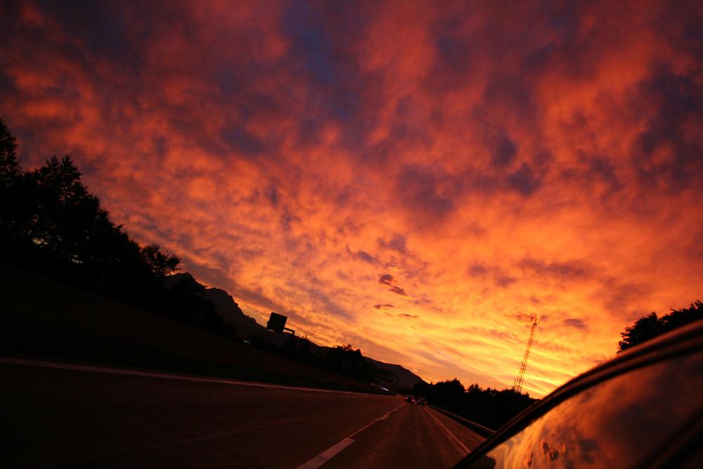.:: red sky highway ::.
