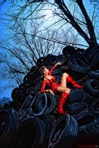 red tire