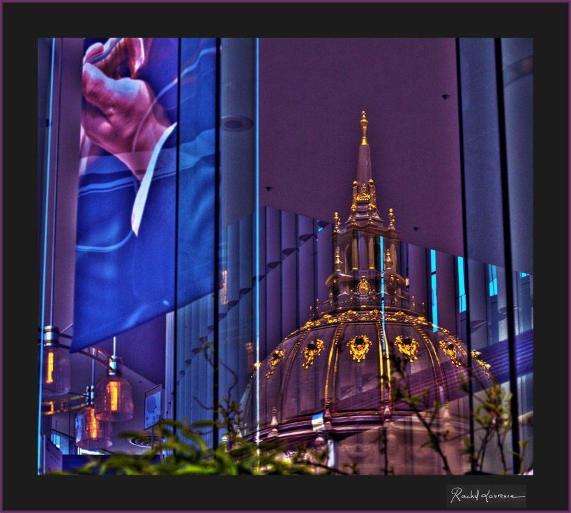 Reflections of the town hall of San Francisco