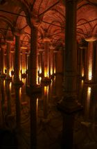 Reflejos de la Cisterna Basílica (Estambul Turquía)