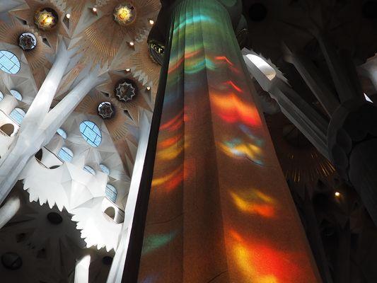 Reflejos en la Sagrada Familia de Gaudi