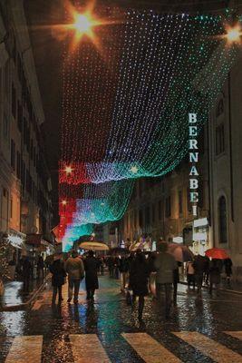Reflets de Rome sous la pluie, un peu avant Noel 2011