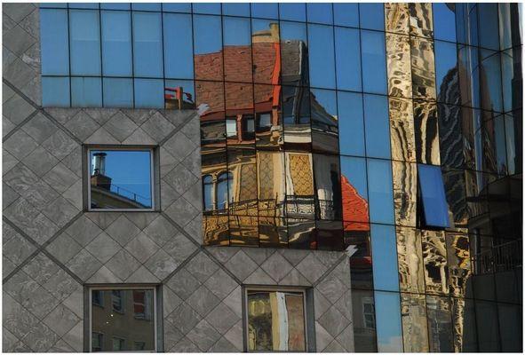 Reflexive facade