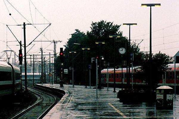 Regen-Bahnsteig