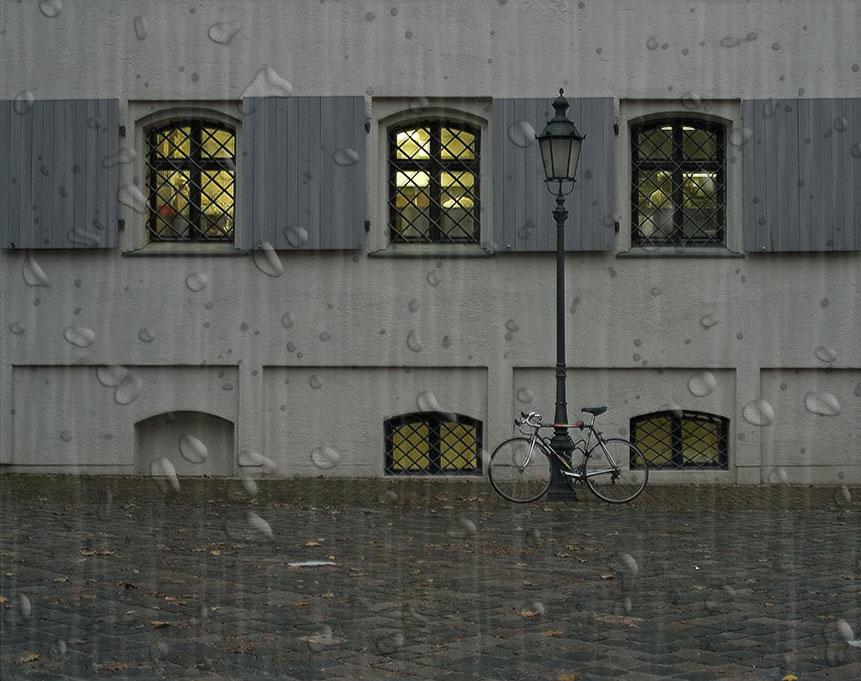 Regen im Alten Hof