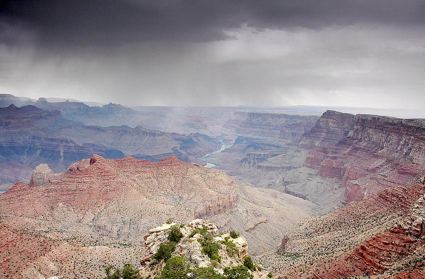 Regen über dem Grand Canyon II