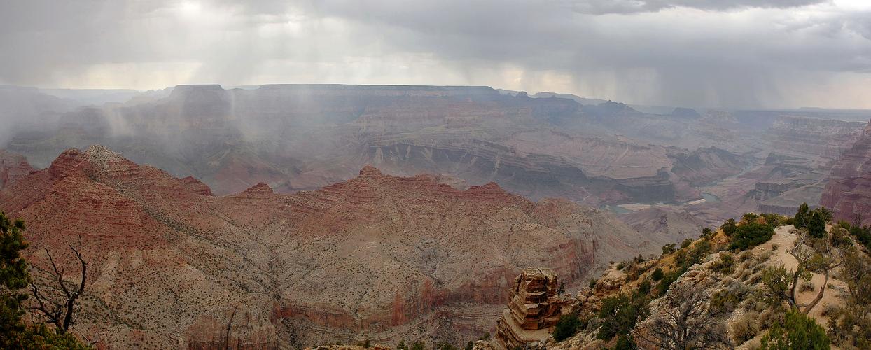 Regen über dem Grand Canyon III