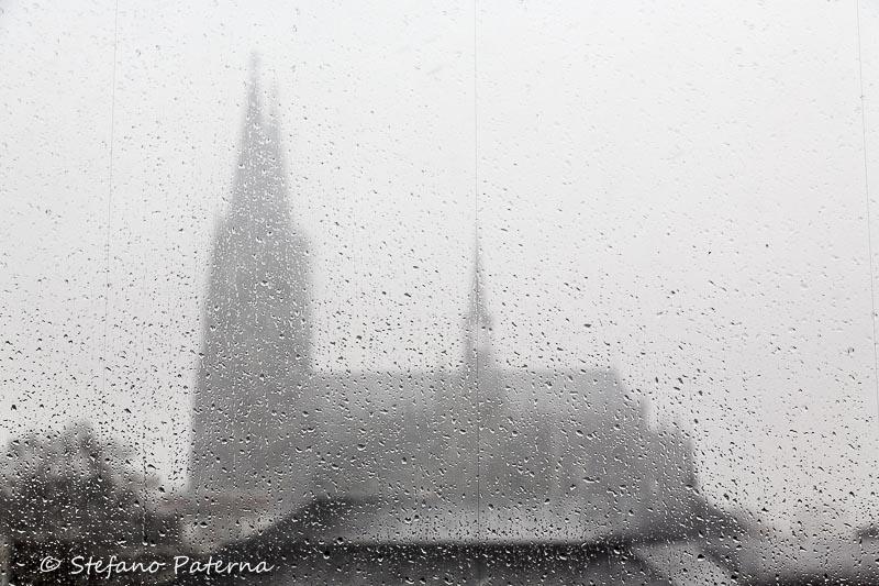 Regen und Dom