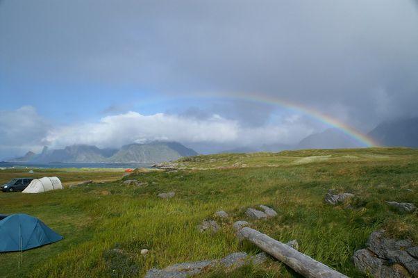 Regenbogen am Fredvang Camping