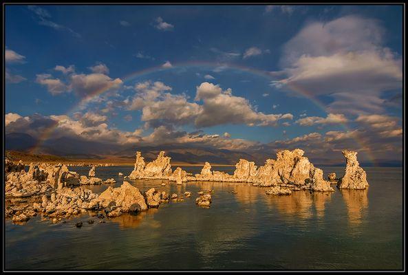 Regenbogen am Mono Lake