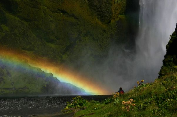 Regenbogen am Skógafoss/Südisland