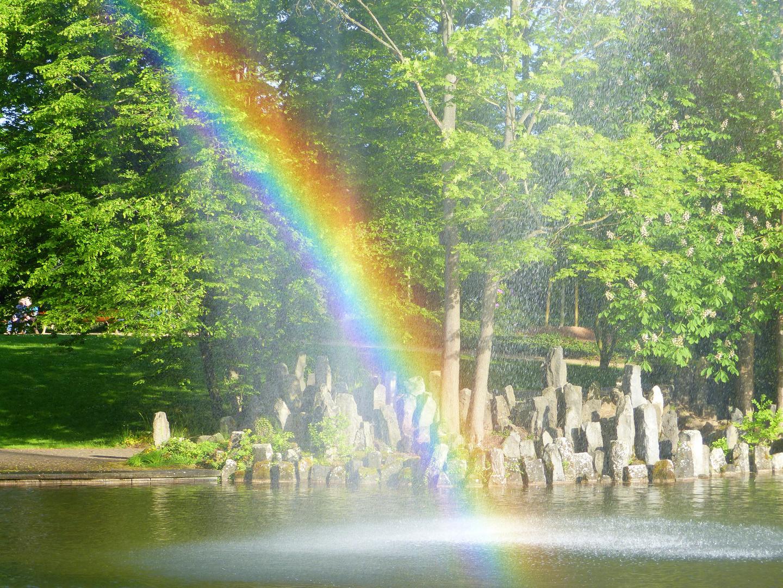 Regenbogen im Park ...