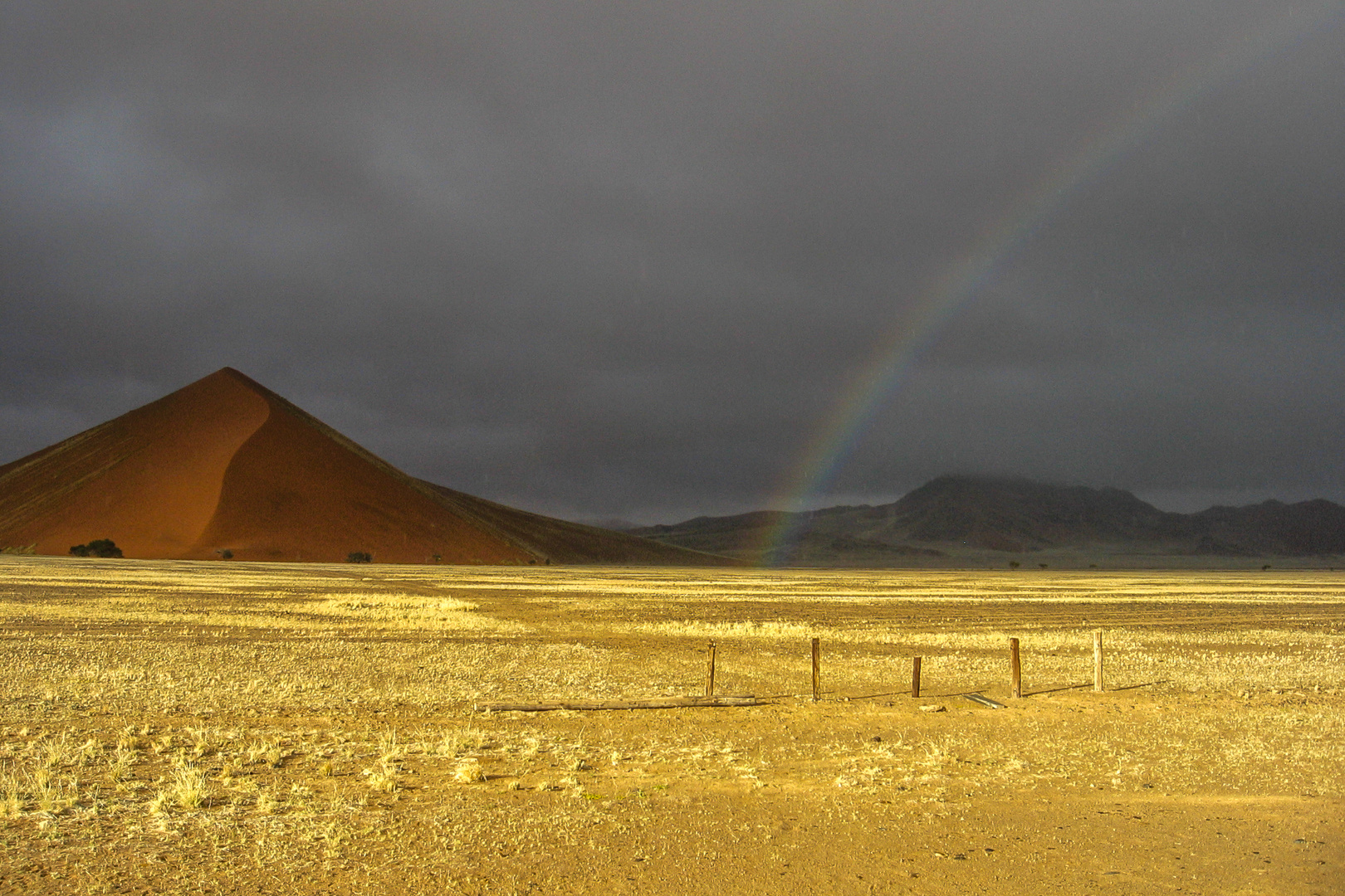 Regenbogen in der Namib