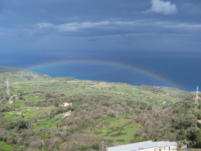 Regenbogen in Tusa (Sizilien)