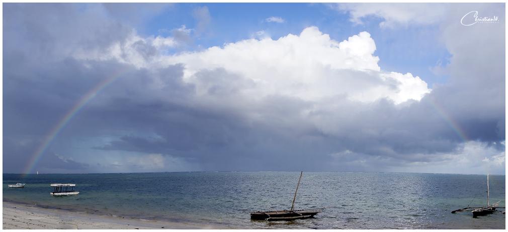 Regenbogen über Bamburi Beach