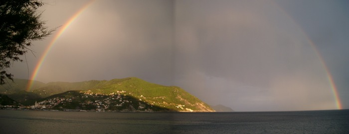 Regenbogen über Cinque Terre