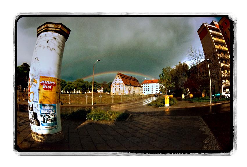 Regenbogen über dem Schloss Osterstein