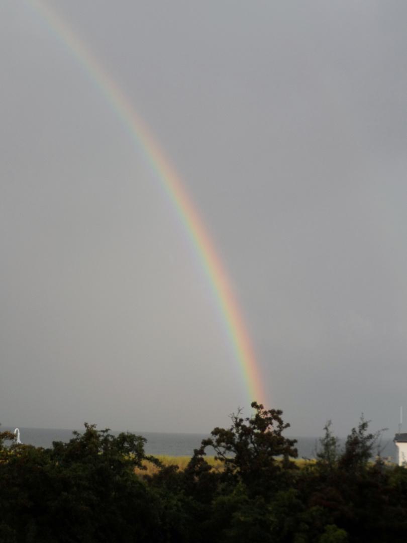 Regenbogen über der Ostsee