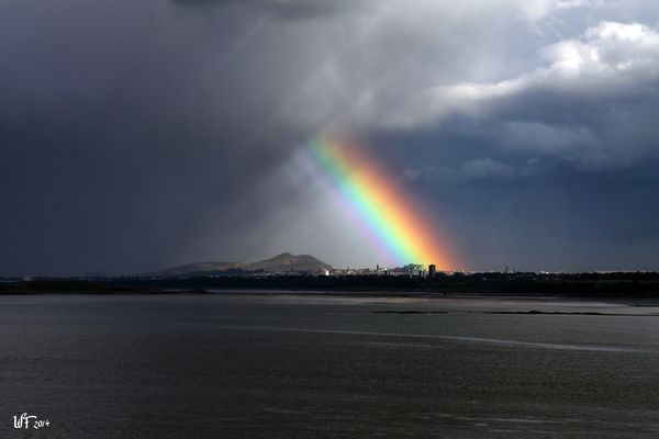 Regenbogen über Edinburgh