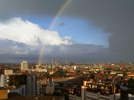 Regenbogen über Hannover