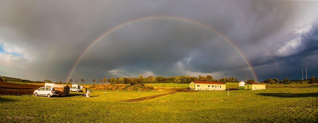 Regenbogen über Sternwarte-Vogelsberg