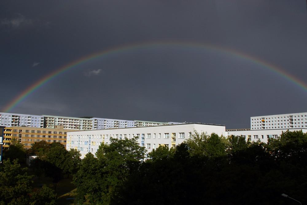 Regenbogen übern Block