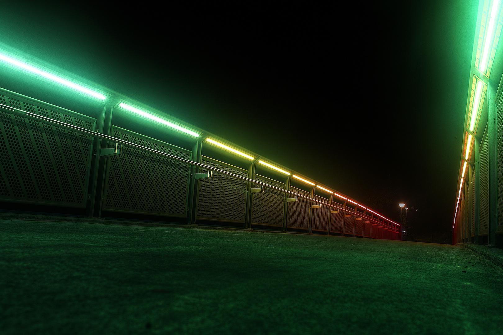 Regenbogenbrücke Boden