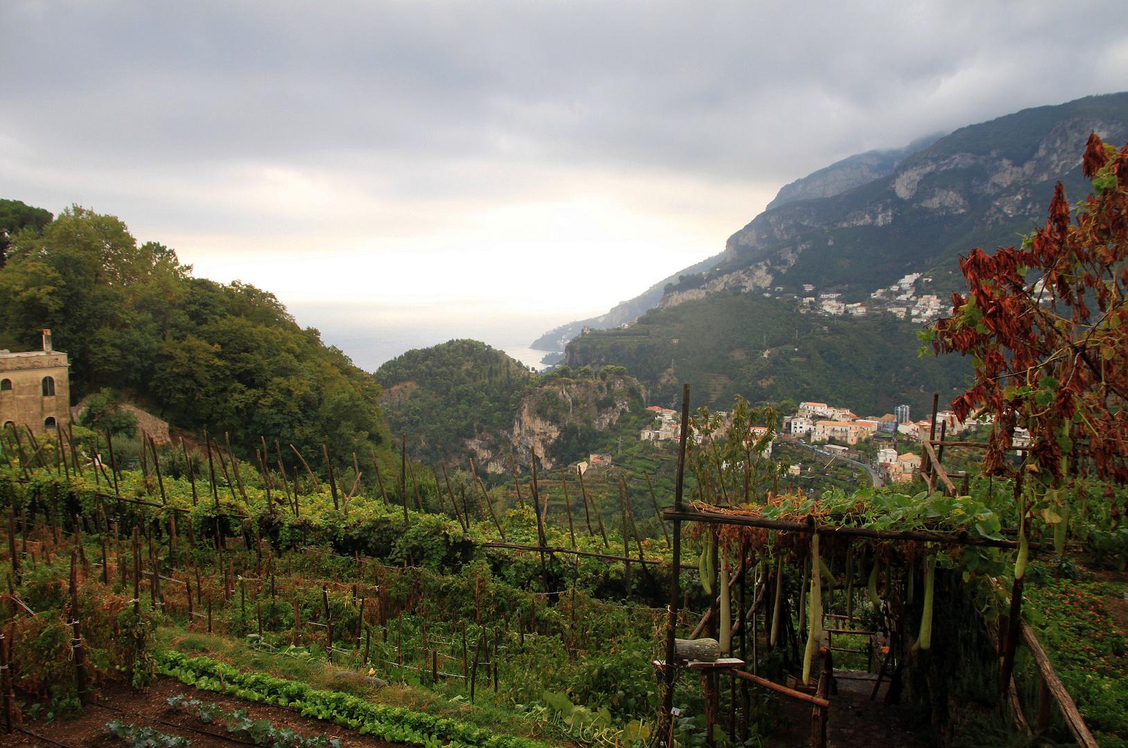 Regenfront über Ravello