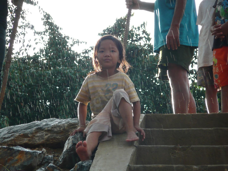 Regenkinder am Mekong
