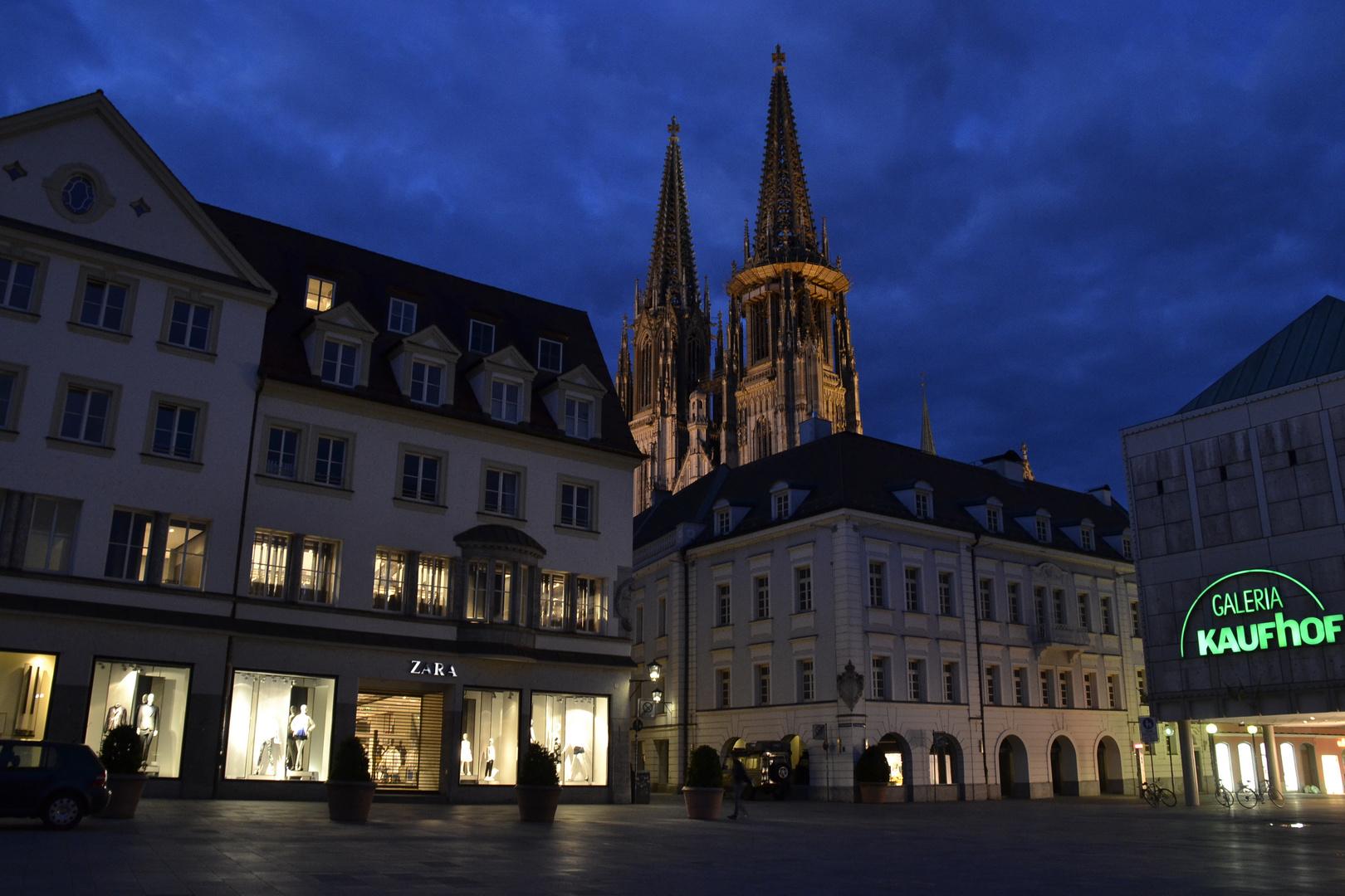 Regensburg Neupfarrplatz bei Nacht