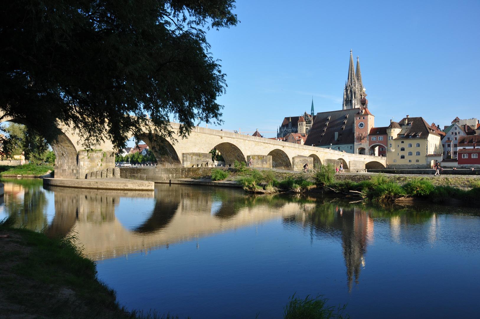 Regensburg, Steinerne Brücke