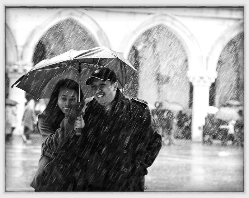 Regenschauer auf dem Markusplatz