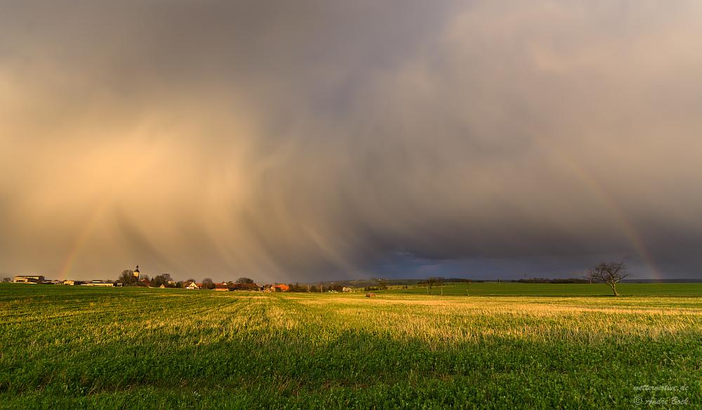 Regenschauer in der Abendsonne