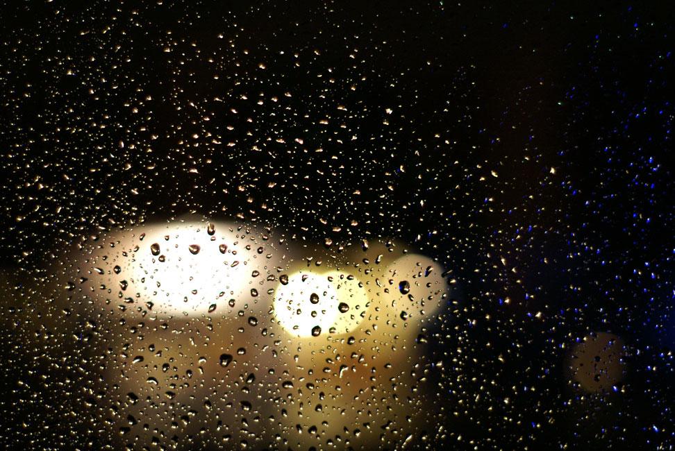 Regenspiel in Gelb