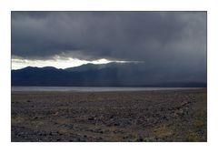 Regensturm im Death Valley