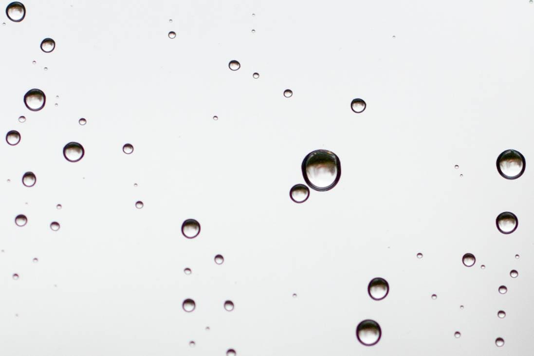 Regentropfen, die an dein Fenster klopfen...