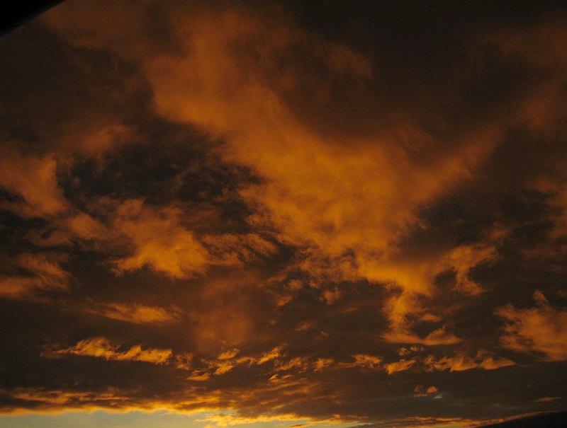 Regenwolken am späten Nachmittag
