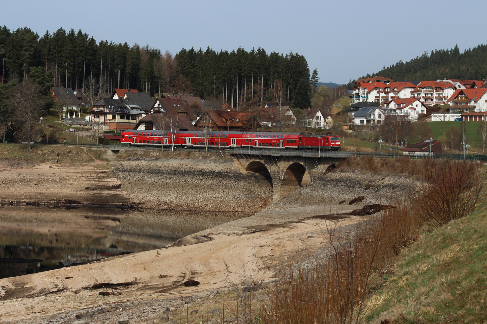 Regionalbahn am Schluchsee im Schwarzwald