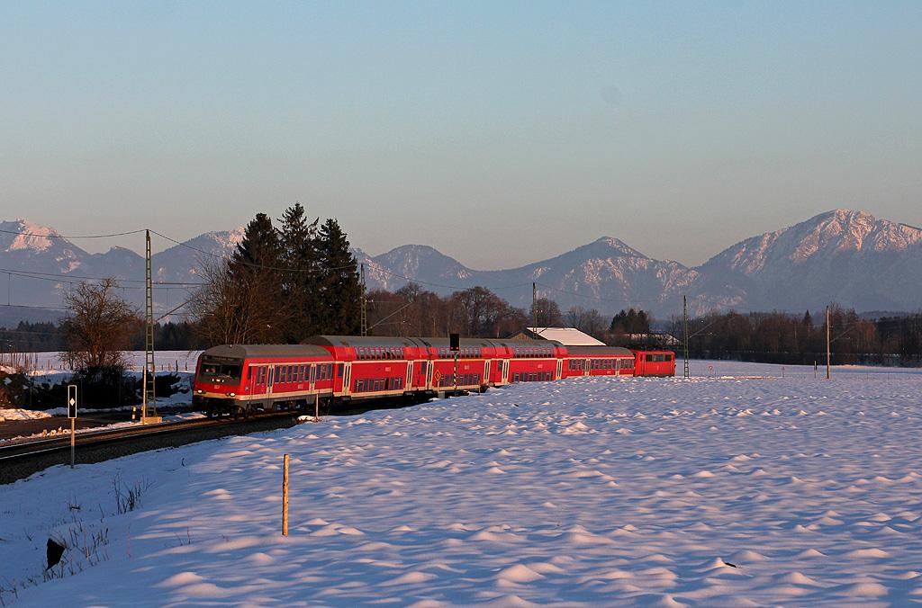 Regionalzug bei Uffing