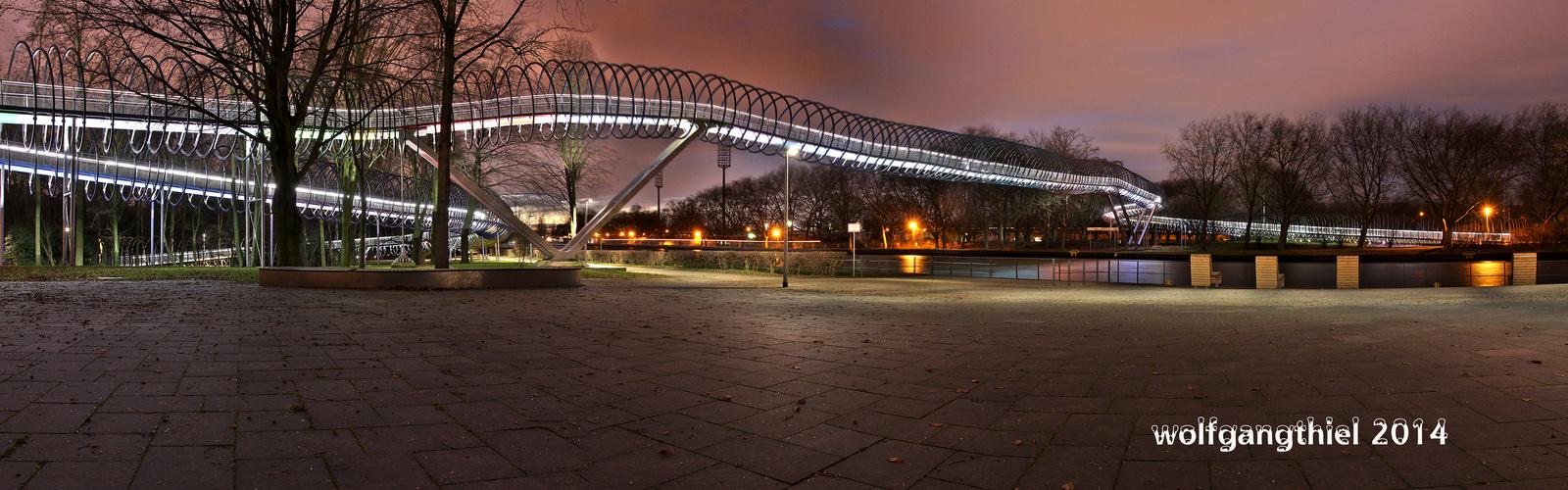 """Rehberger Brücke oder """"Slinky Springs to Fame"""""""