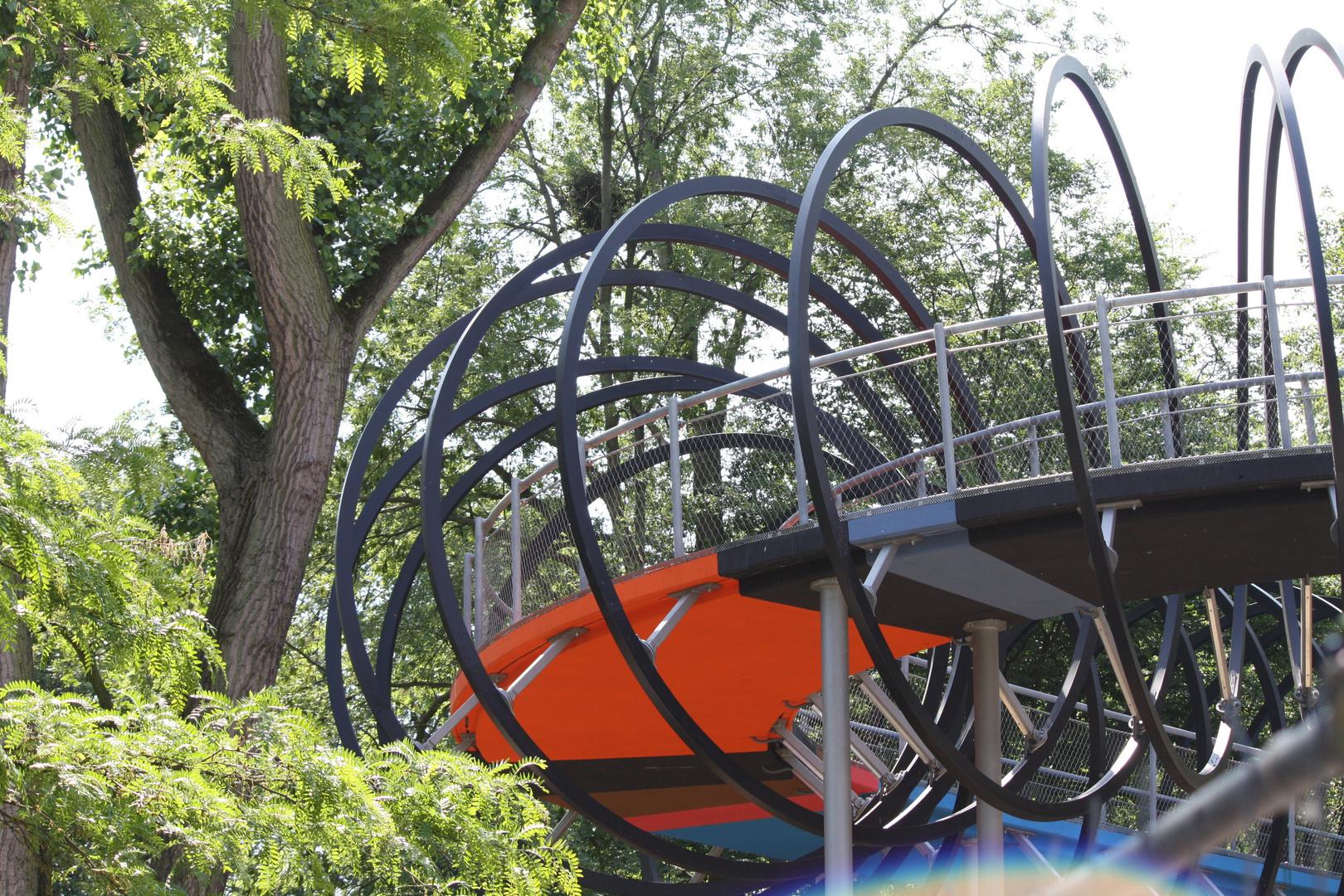 Rehberger Brücke Slinky Springs to fame