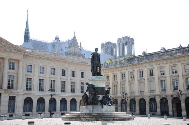 Reims place royale