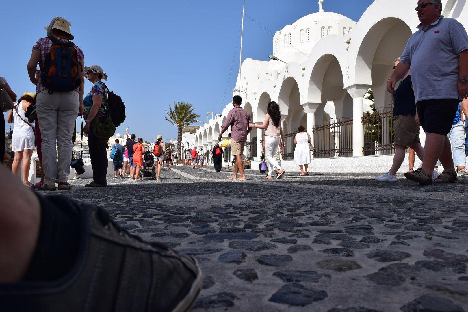 Reisen um Touristen zu beobachten