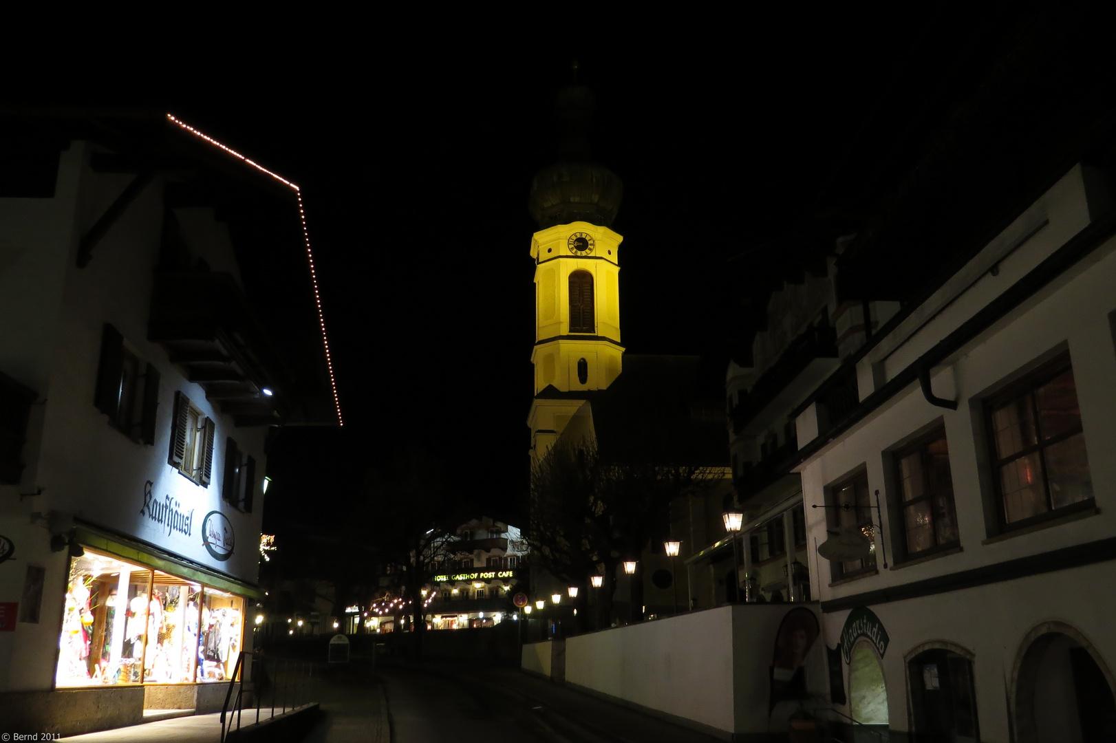 Reit im Winkl - Dorfstr. mit Blick auf die Pfarrkirche St. Pankratius