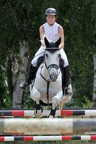 Reiterin und Pferd