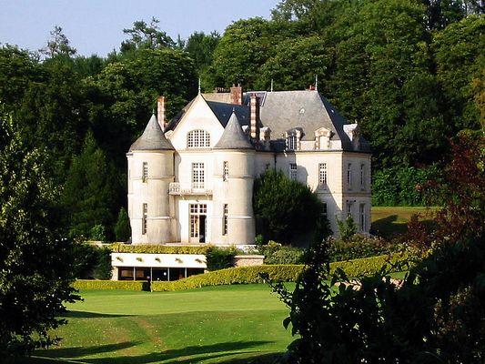 Relais de chasse ? Non juste le ClubHouse du golf de Villarceau / VAL D'OISE (95)